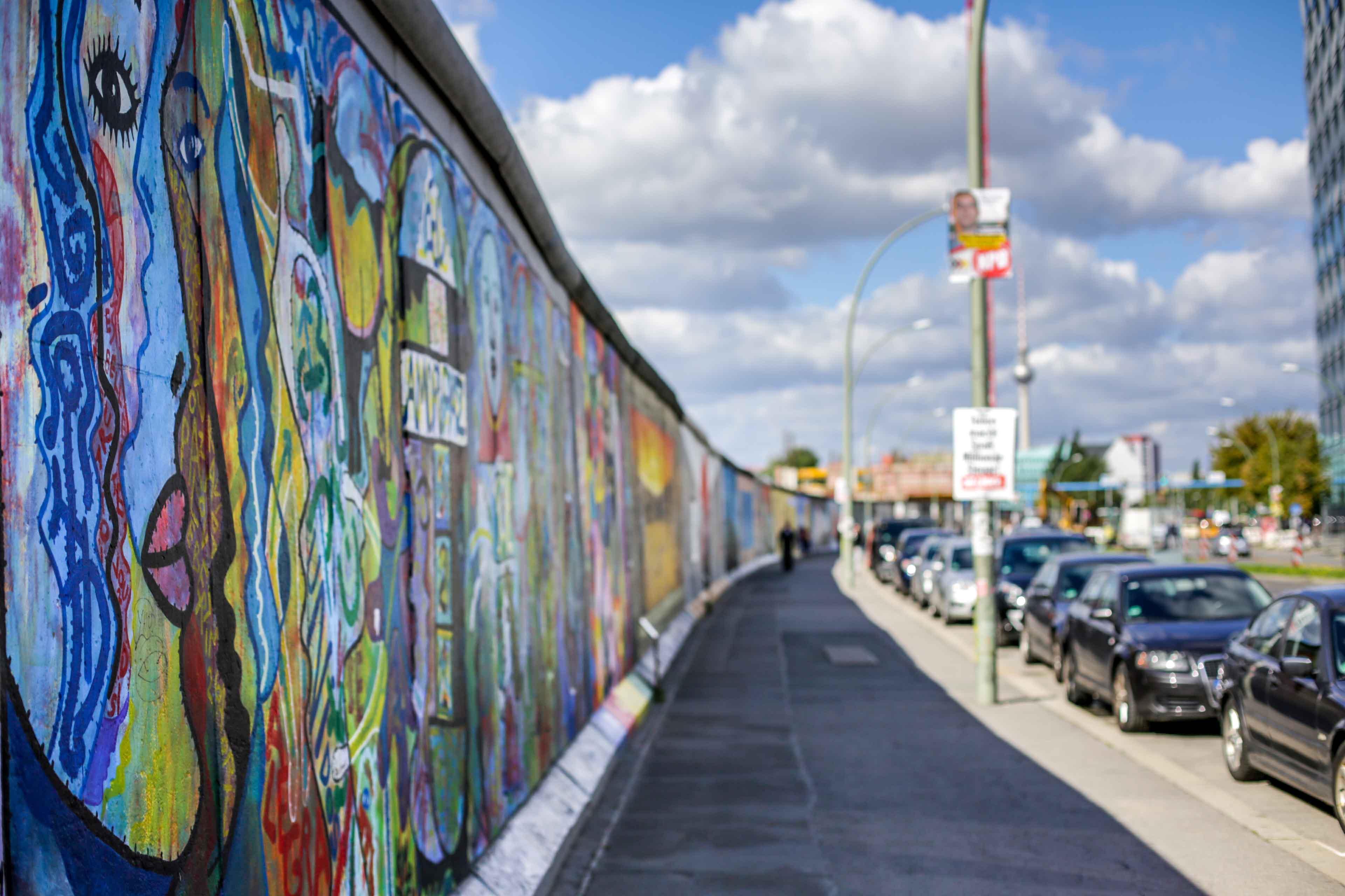 Image result for Berliner Mauer
